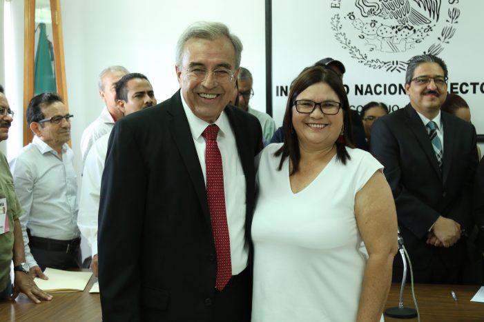 Dan constancia a Rubén Rocha e Imelda Castro como senadores