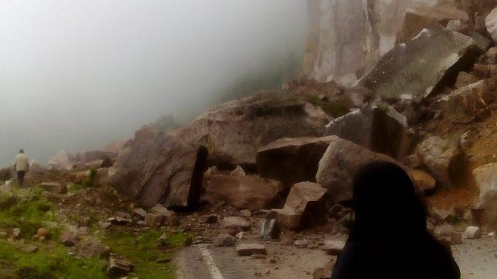 Cerrada la carretera Mazatlán-Durango por derrumbe