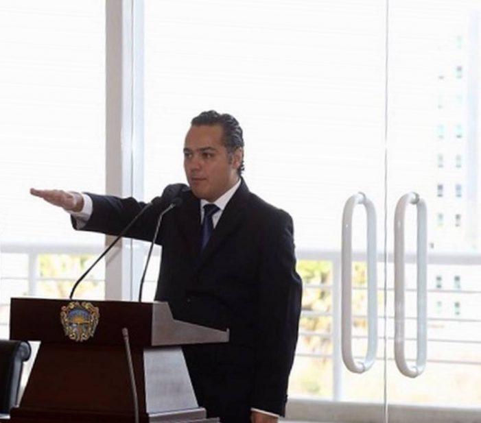 Enrique Correa Sada rinde protesta como alcalde interino de Querétaro