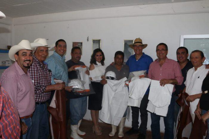 Sinaloa | Atienden a paperos y ganaderos del norte