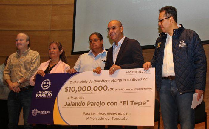 Marcos entrega apoyos por 23.2 mdp a locatarios de El Tepetate