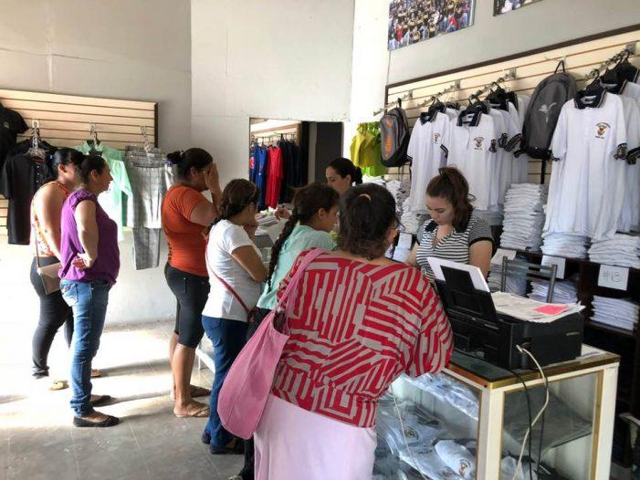 Sinaloa | Arranca la entrega de uniformes escolares en el estado