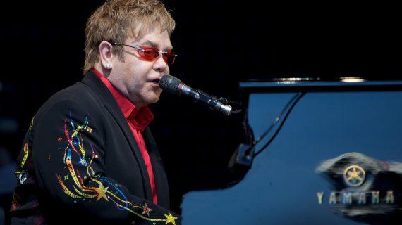 Con más de 300 conciertos se despedirá Elton John de los escenarios