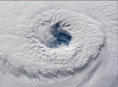 ¡Alerta!, huracán Florencia llegará a costas de EU como golpe de Mike Tyson