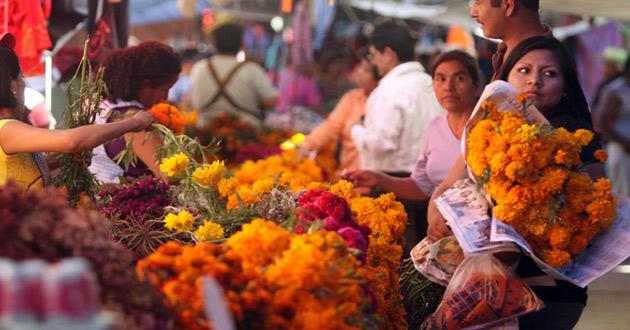 Sinaloa | Desde $30, las flores para Día de Muertos