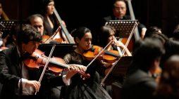 El director de orquesta mexicano Carlos Prieto es considerado el mejor del año