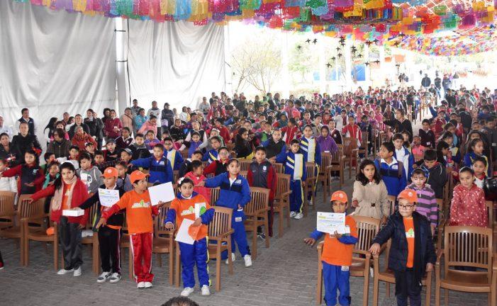 Toman protesta niños Detectives Ambientales en el municipio de Querétaro