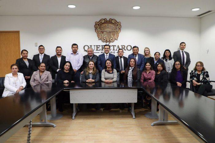 Luis Nava toma protesta al Consejo Municipal de Participación Social en la Educación