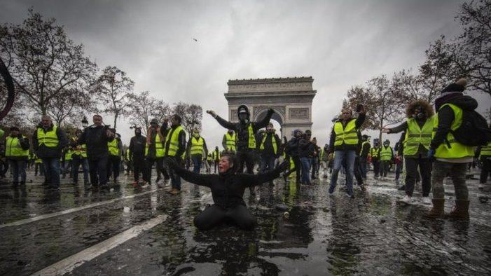 Reflexiones / Los franceses sí que saben protestar
