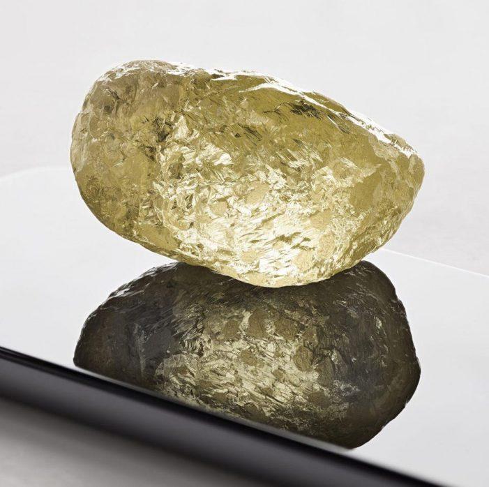 Hallan en Canadá un diamante del tamaño de un huevo de gallina