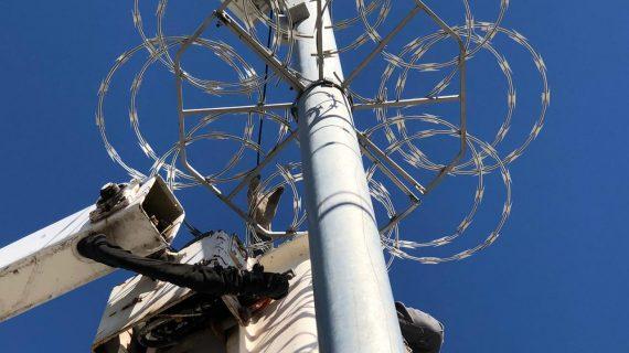 Instalan protecciones metálicas en cámaras de vigilancia en Sinaloa