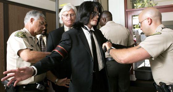 """""""Leaving Neverland"""" el documental que retrata a Michael Jackson como """"un depredador sexual y pederasta"""""""