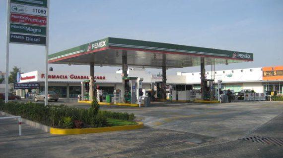 Pemex suministra 10 mil barriles diarios de gasolina a Querétaro