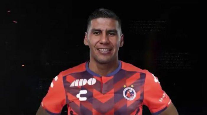 """Carlos Salcido ya es """"Tiburón"""" del Veracruz"""