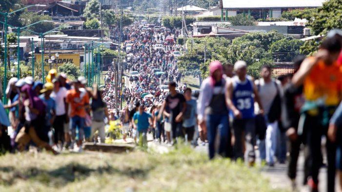 Una nueva caravana migrante viene en camino desde Honduras