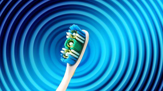 Si te cepillas bien los dientes, puedes evitar la disfunción erectil