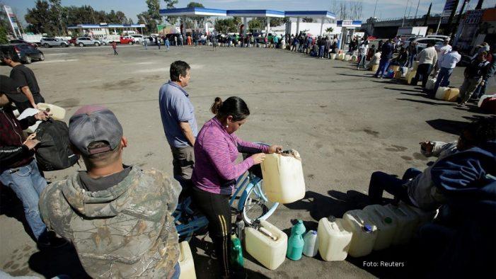 Advierte Banxico riesgos económicos de prolongarse la escasez de combustibles