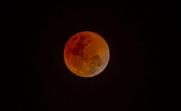 Prepárate para el primer eclipse de luna del año