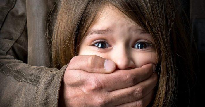 Alemania| Detienen a tres sujetos por cometer mil agresiones sexuales a menores