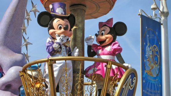 Disneyland tendrá desfile gay
