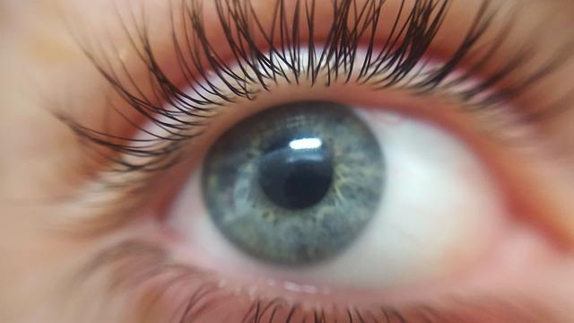Fumar puede causar daños a tu visión
