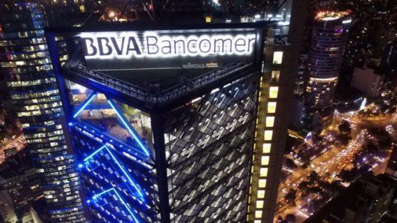 Desalojan a personal de Torre Bancomer, en la CDMX