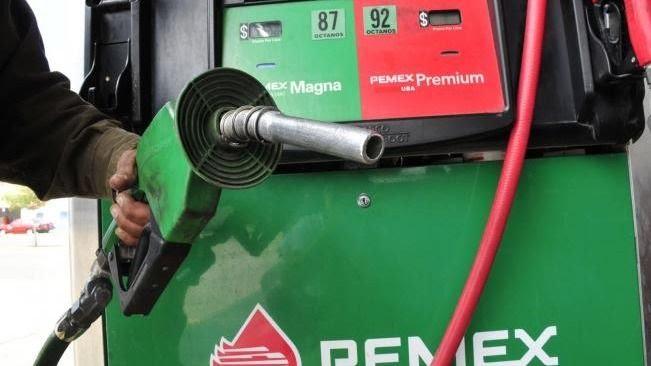 AMLO aplica su primer estímulo fiscal a la gasolina Magna