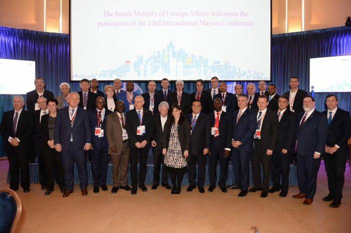 Luis Nava concluye participación en la Conferencia Internacional de Alcaldes, en Israel