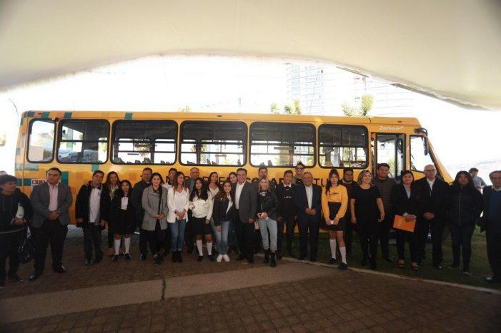 Se incorporan 10 universidades más al sistema de Transporte Escolar de Querétaro