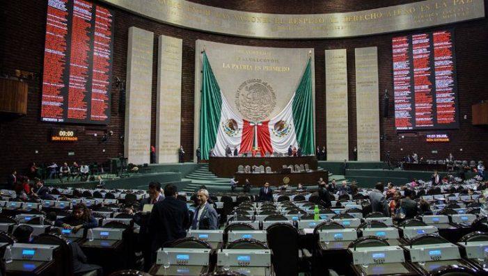 Diputados de Morena aprueban quedarse en el cargo hasta 2030